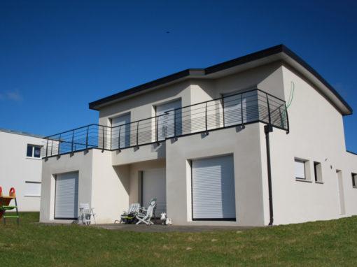 Construction-maison-à-toit-monopente-balcon-garde-corps-510x382