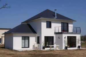 Construction-maison-Tourelle-ardoise-contemporaine-300x199