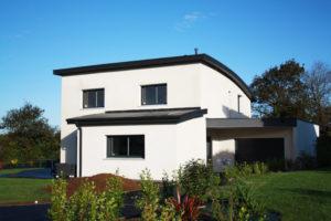 construction-dune-jolie-maison-contemporaine-debords-zinc-garde-corps-balcon-2-300x200