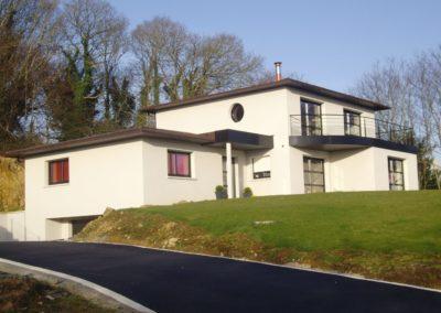construction-maison-contemporaine-toiture-cuivre-enduit-blanc-1-400x284