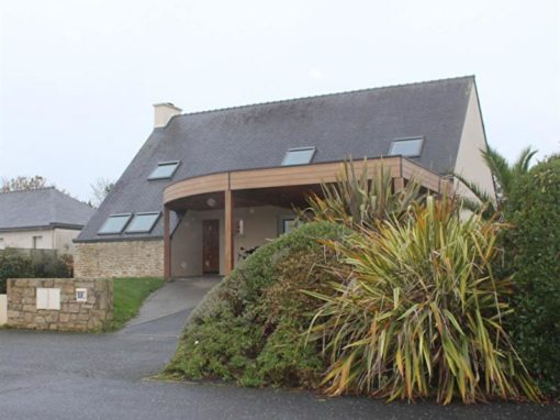 extension-maison-traditionnelle-avec-ajout-d-un-carport-semi-cintre-werzalith-510x382