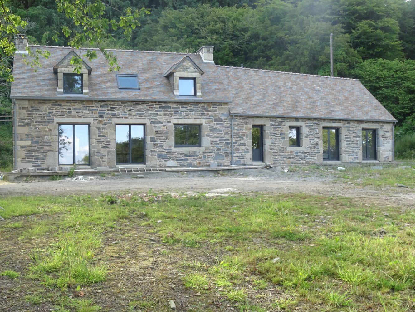 Extension r novation de maison saint thonan proche for Renovation maison pierre