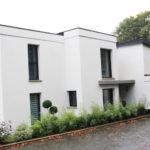 Construction-maison-darchitecte-contemporaine-vue-mer-toit-plat-enduit-bi-ton-figures-1-150x150